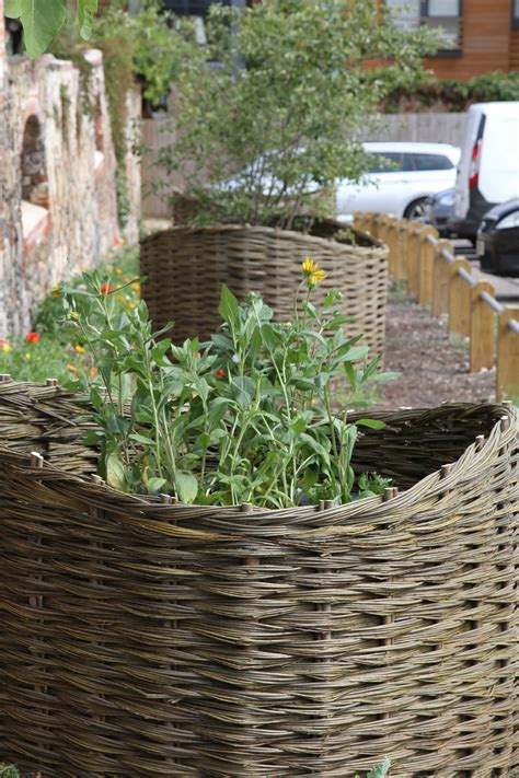 Willow Planters Uk by Planters Lark Valley Willow