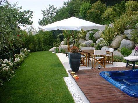 abbellire il giardino con i sassi idee giardino ravvivare e abbellire il