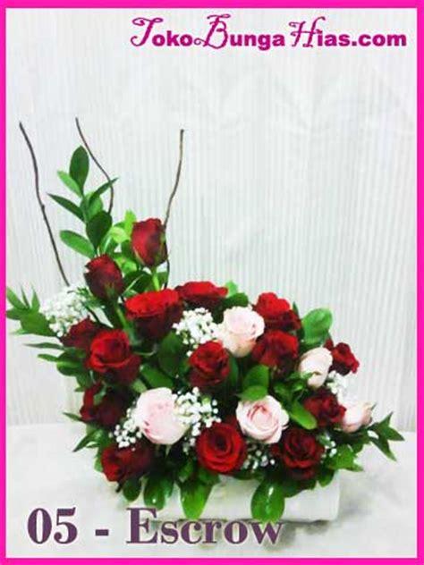 Rangkaian Bunga Segar Dan Balon Ulang Tahun Lahiran Dll rangkaian bunga segar untuk acara ulang tahun atau ucapan selamat