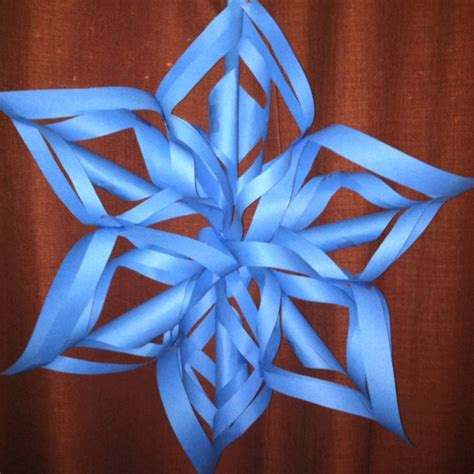 How To Make Construction Paper Snowflakes - pin by carroll on crafts