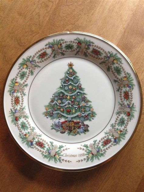 lenox xmas tree plate france 17 best images about lenox on around the worlds cookie jars and china