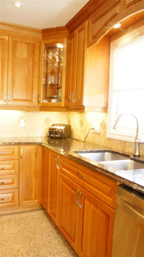 classic cherry kitchen cabinets classic cherry kitchen les armoires s 233 guin cabinets
