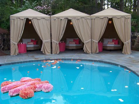 How to Decorate a Pool for Your Wedding   Wedding Pool