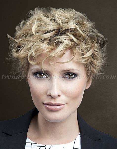 images of short hair styles for wavy hair and narrow faces short wavy hairstyles wavy short hairstyle trendy