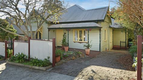 Shore Cottage Iona by Greenwich Dairy Cottage Steeped In History For Sale With 2 4m Guide Realestate Au