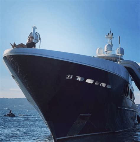yacht vs boat difference below deck what s the difference between working on a