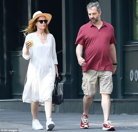 leslie mann husband movie leslie mann steps out in a casual sundress for day date
