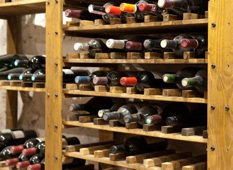 weinkeller einrichten tipps in vino veritas wie sie sich ihren eigenen weinkeller