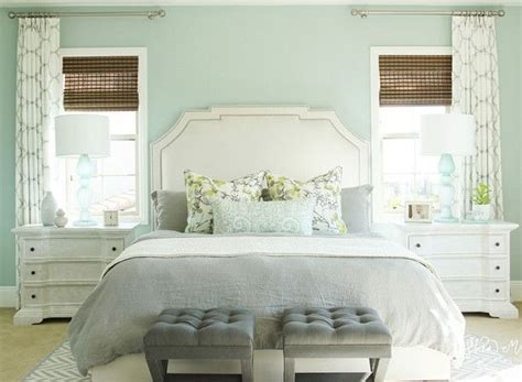 blue painted bedrooms 25 best ideas about green bedroom paint on