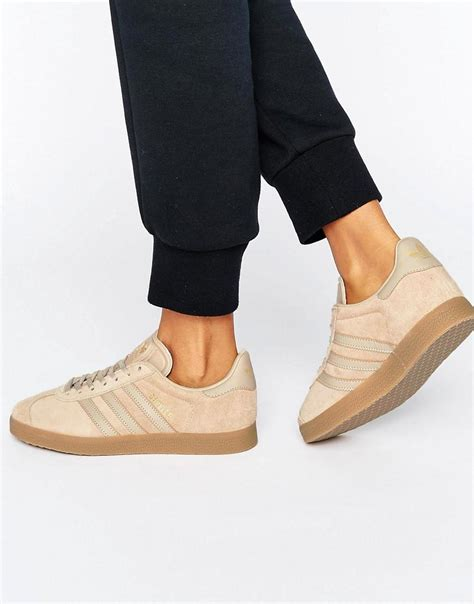 Promo Sepatu Adidas Gazele Suede Sol Gum adidas originals originals beige gazelle sneakers with gum sole in brown lyst