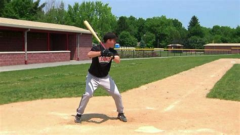 correct way to swing a bat 1 12 proper baseball batting stance improve hitting