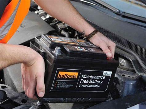 cuando debe cambiar la bateria de su carro