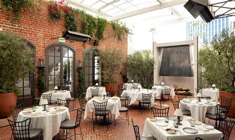barstool   restaurant aesthetic  blog spot
