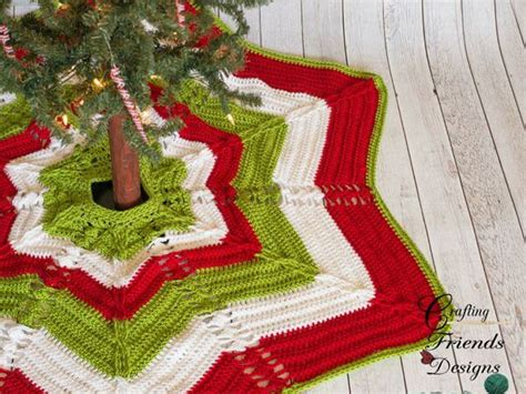 cable christmas skirt classic cable tree skirt a pattern