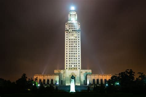 Building 4 by File Louisiana State Capitol Through The Fog Jpg