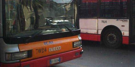 ufficio abbonamenti autobus gratis per gli 65 orari e uffici per