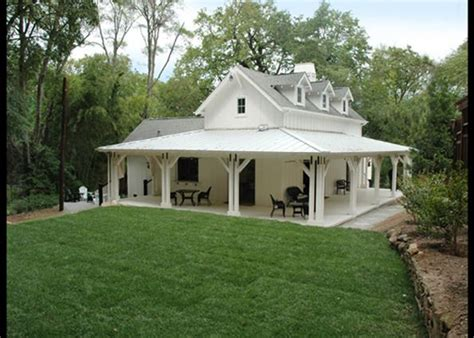 farmhouse with wrap around porch wrap around the farmhouse houses