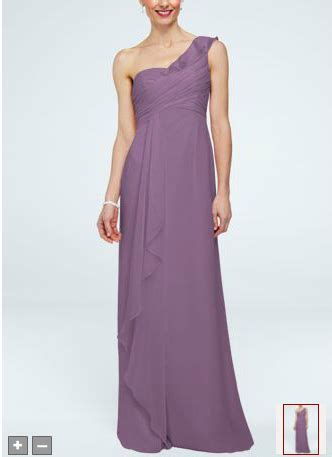 help what color nail goes with this dress
