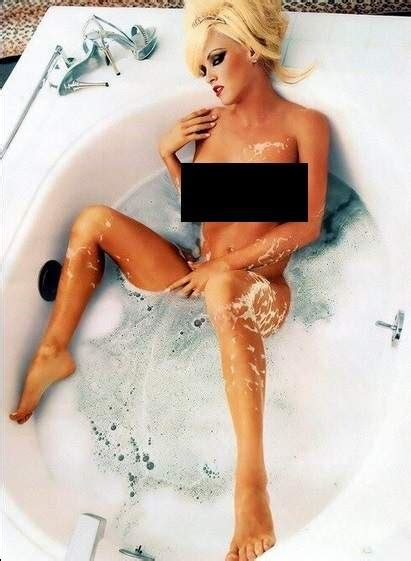 jenny mccarthy bathtub the 20 hottest photos of jenny mccarthy on her 41st