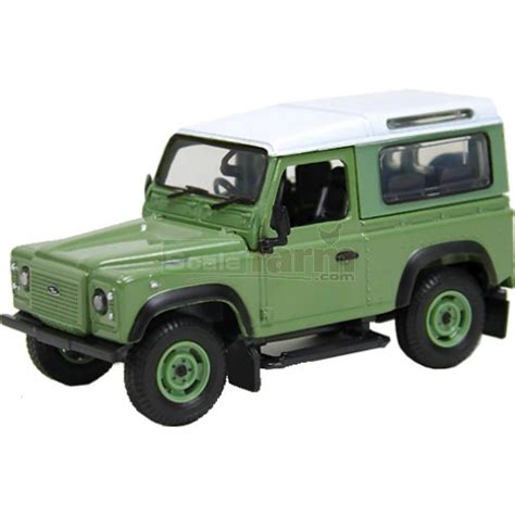 land rover britains britains 43110a1 land rover defender heritage edition