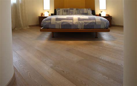 pavimenti in legno prefiniti prezzi parquet massello o prefinito eternal parquet prefiniti