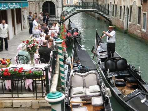 intorno alla tavola traditions in regional italian food