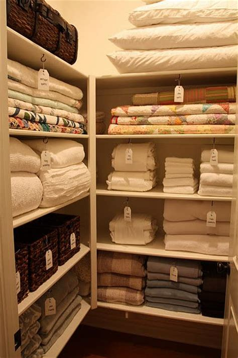 The Linen Closet by 25 Best Ideas About Small Linen Closets On