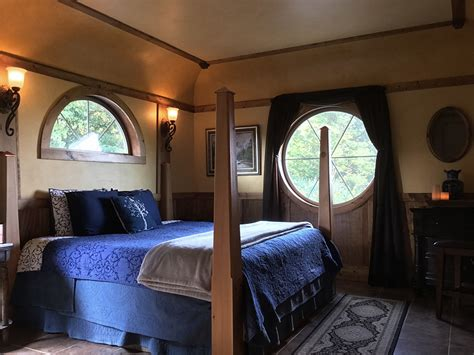 hobbit bedroom hobbit cabin romantic makanda cabin getaway in the shire