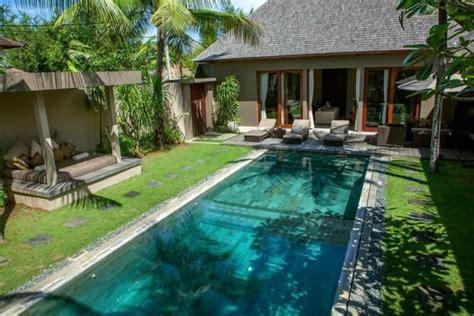 small pool models turn  courtyard   paradise