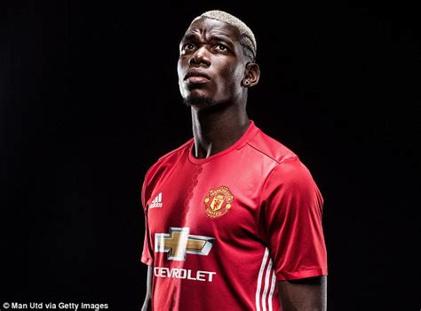 pogba the rise of manchester united s homecoming luca caioli books paul pogba returns to manchester united for world record