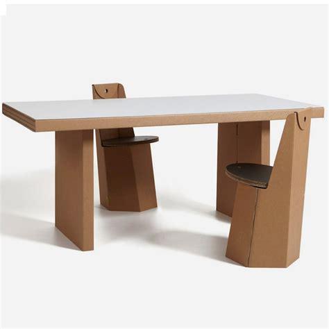tavolo in cartone atlante di kubedesign scontato 35