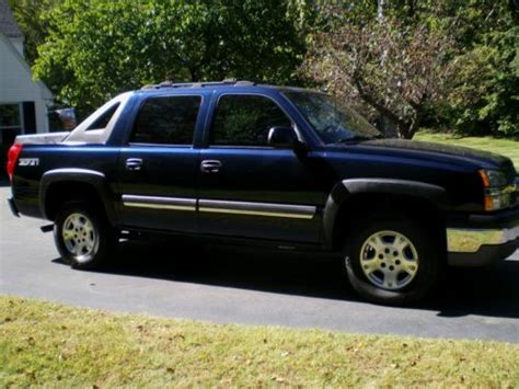 purchase used 2004 chevrolet avalanche 1500 z71 crew cab purchase used 2004 chevrolet avalanche 1500 z71 crew cab pickup 4 door 5 3l in canton