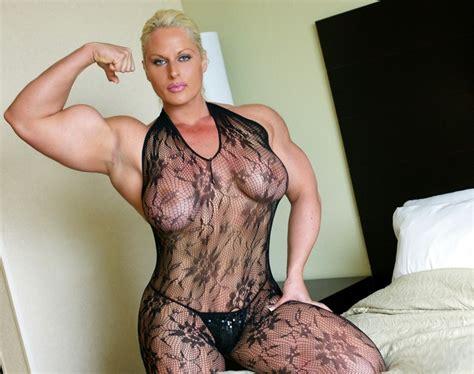 Impressive Huge Female Bodybuilder Flexing Her Massive Muscles
