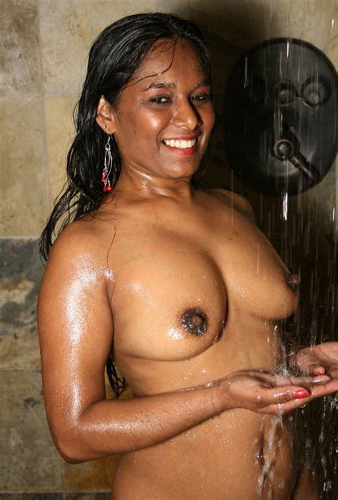 Tamil Village Girl Bathing Nude