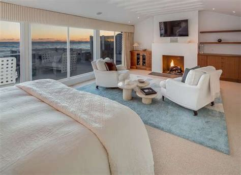 judd apatow new house judd apatow and leslie mann sell malibu beach house for