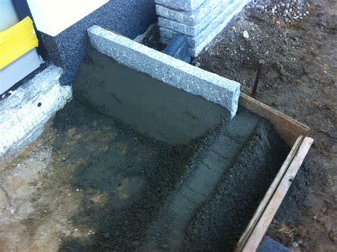 fensterbank innen granit weiß podest treppe idee