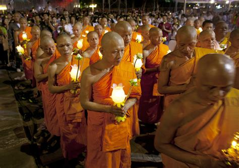 thai buddhists pray during magha puja 15 of 23 zimbio