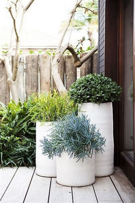 Big White Planters 34 Modern Outdoor Planters To Add Style Comfydwelling