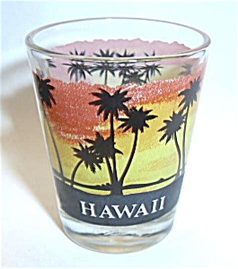 hawaii hawaiian shot glass glass  boondockcabin antiques  collectibles