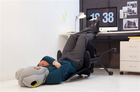 futon gesund this pillow makes sleeping at your desk comfortable