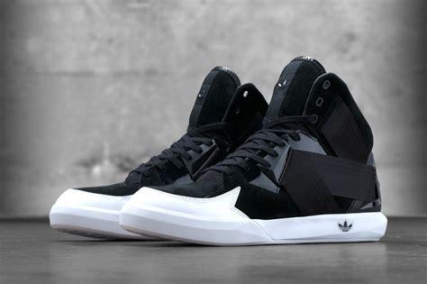 Sepatu Casual Three X C 010 Black adidas originals c 10 sbd