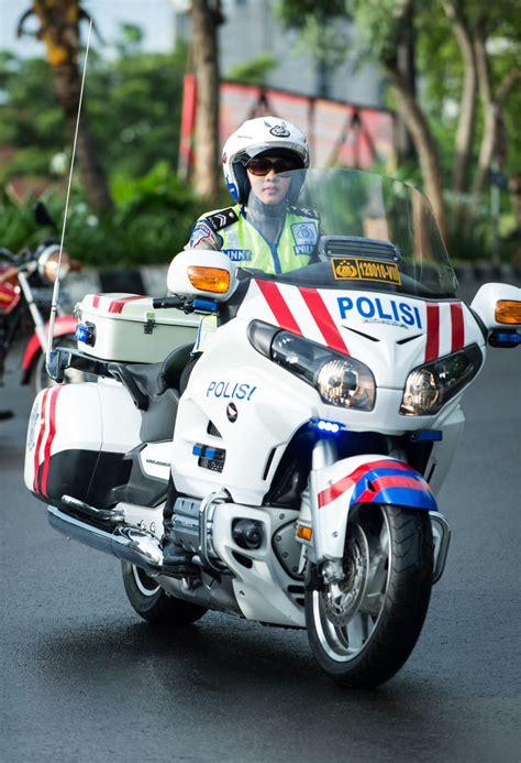 polisi wanita polisi militer wanita