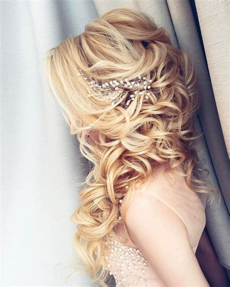 Wedding Hair For Brides by 11 Beautiful Wedding Hairstyles For Brides And