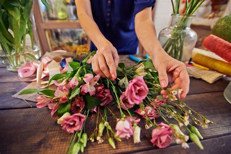 Local Flower Shops by Gift Baskets Local Flower Shop Florist