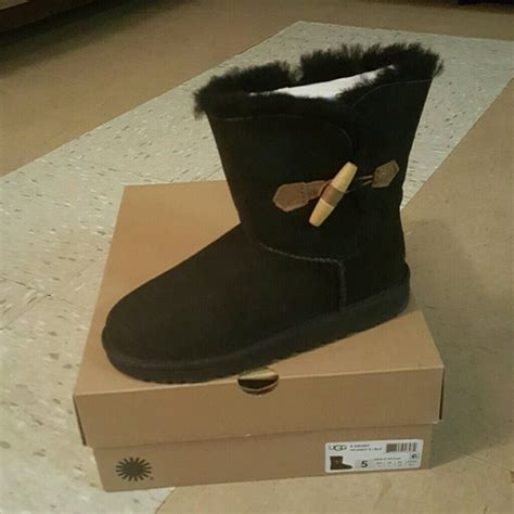 do carters shoes run big 38 ugg other authentic k uggs size 5y from