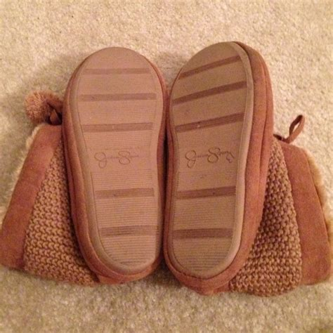 jessica simpson house shoes 60 off jessica simpson shoes jessica simpson house slippers from katelyn s closet
