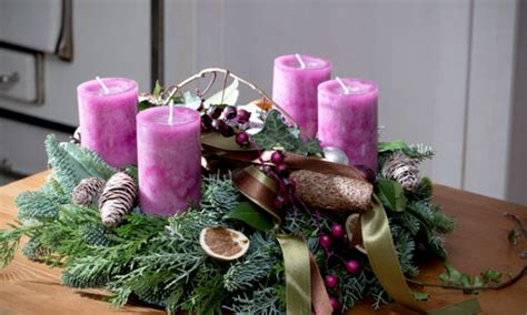 ways to decorate your home for christmas 7 traditional ways to decorate your home for christmas