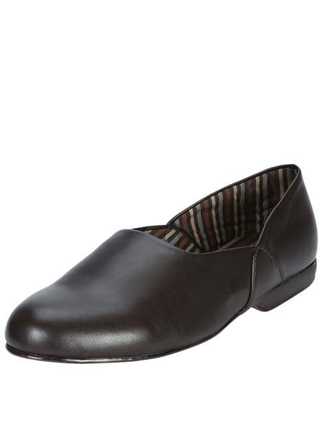 clarks slippers mens clarks clarks king ross mens slippers in brown for