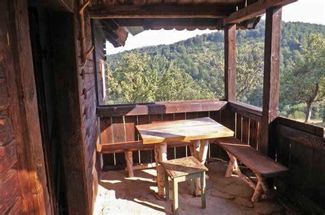 Einsame Hütte In Den Bergen Mieten by Einsame Blockh 252 Tte Mieten In Den Karpaten Rum 228 Niens