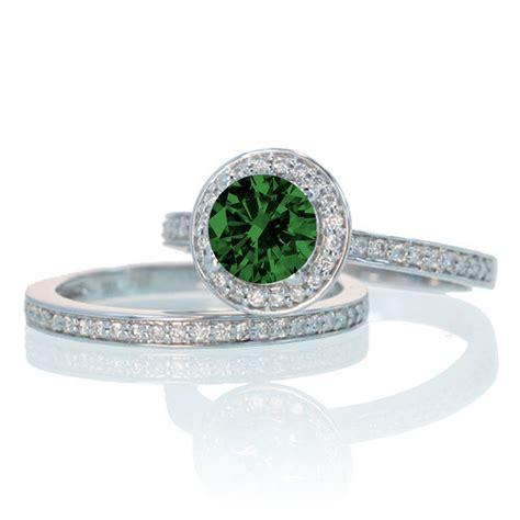 2 carat unique classic halo emerald and
